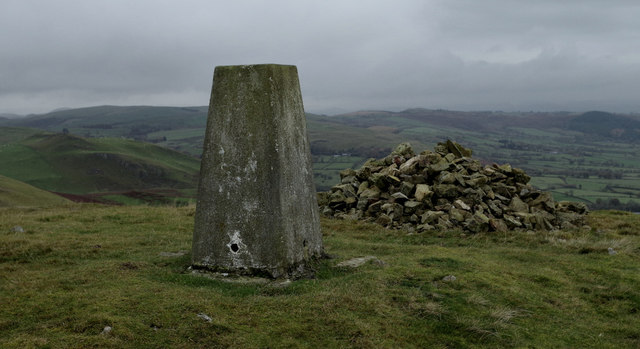Llandegley Rocks - trig point and cairn