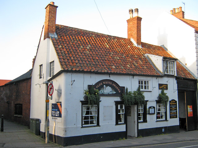 The Olde Whyte Swanne