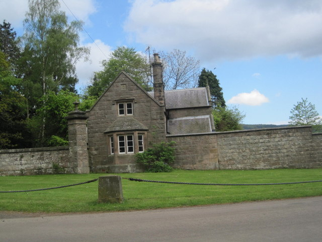 West Lodge and Gateway, Chillingham