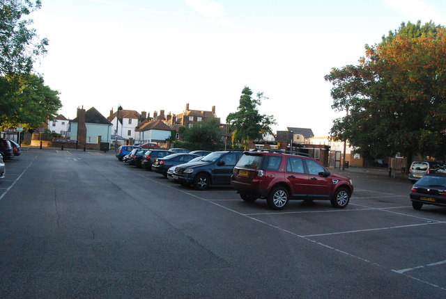 Car Park Faversham Swimming Pool N Chadwick Cc By Sa 2 0 Geograph Britain And Ireland