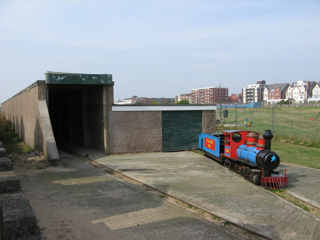 St Annes Miniature Railway Tunnel  Shed  U00a9 Stephen Armstrong