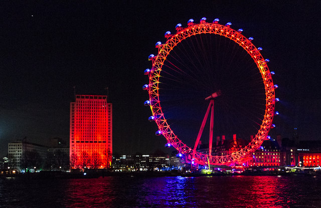 London Eye in Red, Yellow and Blue,... © Christine ...