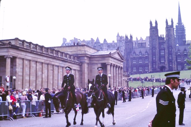 Mounted police on the Mound