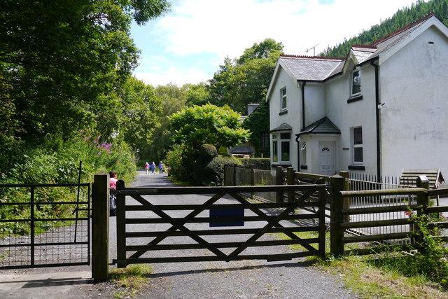 Gate across the Mawddach Trail near Penmaenpool