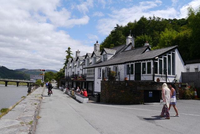 The George III Hotel and Mawddach Trail, Penmaenpool