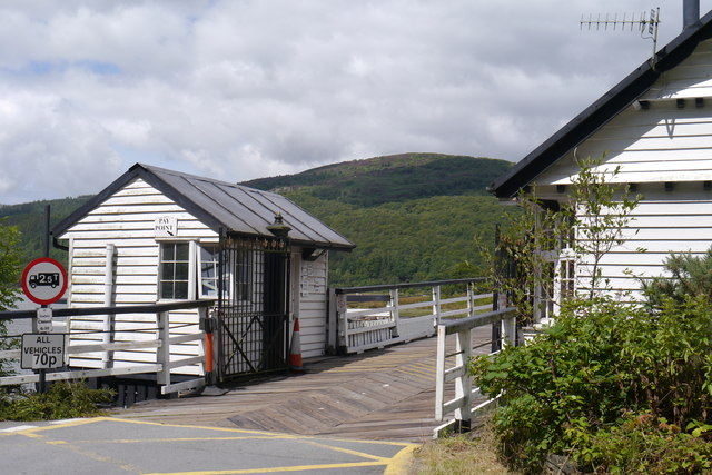 Building at the south end of the Penmaenpool toll bridge