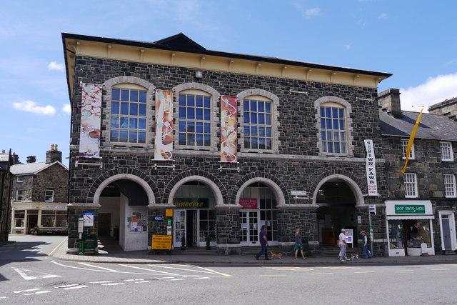Neuadd Idris, Elson Square, Dolgellau