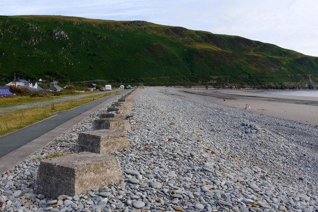Anti-tank blocks on the beach at Fairbourne