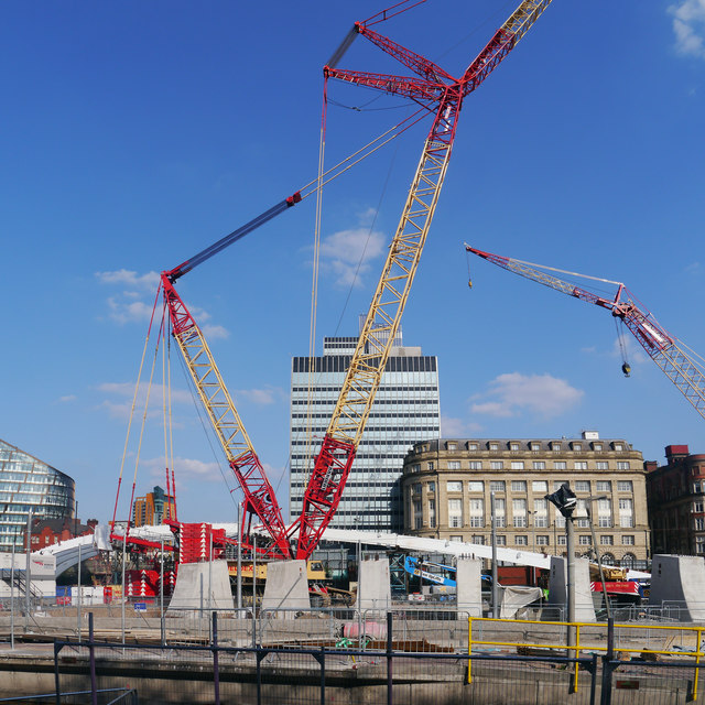 Crane at Manchester Victoria station