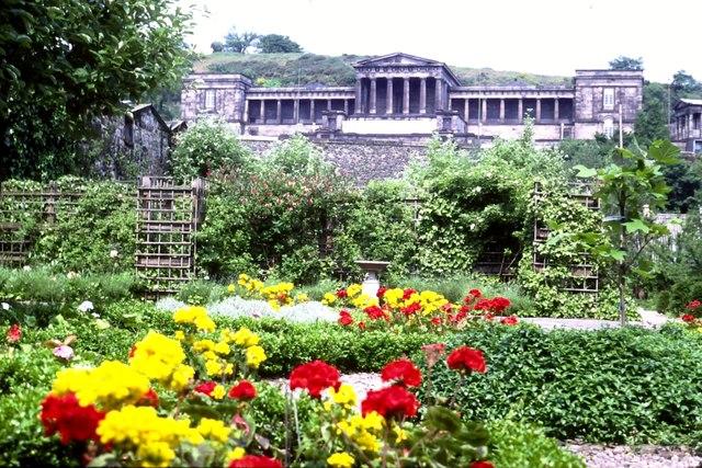 Dunbar's Close Garden (1983)