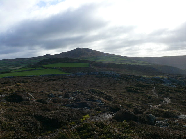 Llwybr Arfordir Sir Benfro ger Pant y Beudy / Pembrokeshire Coast Path near Pant y Beudy