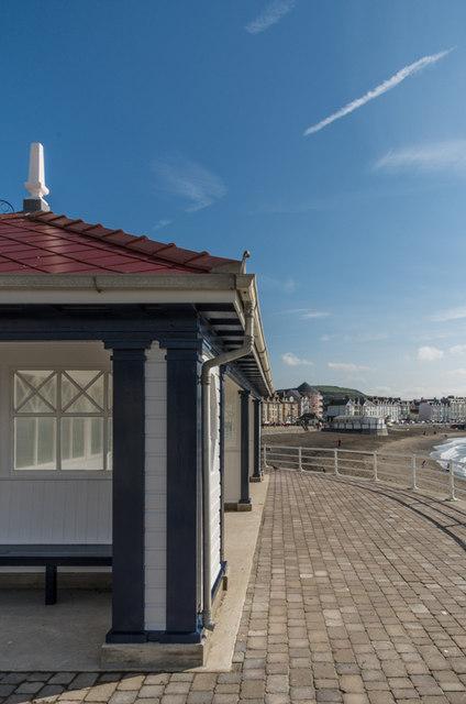 Rebuilt shelter marine terrace ian capper geograph for 6 marine terrace