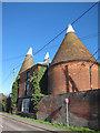 TQ6949 : Kings Oast, Lees Road, Laddingford by Oast House Archive