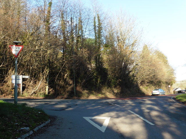 Road junction by Pear tree services, Ashburton