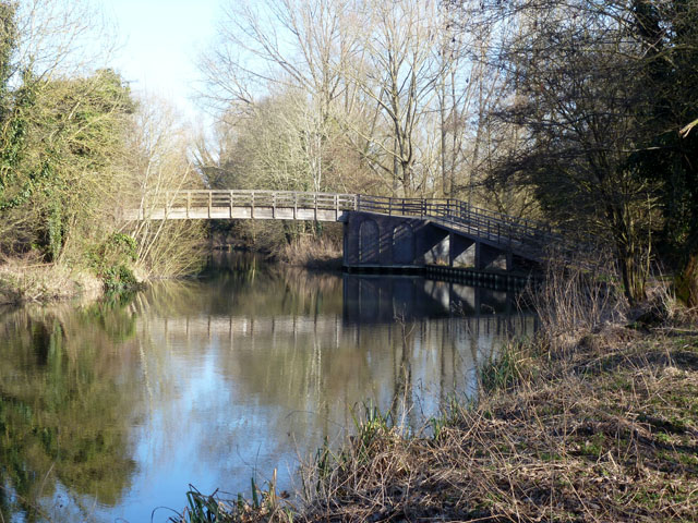 Wickham knights bridge kennet robin webster cc by sa for Knights bridge