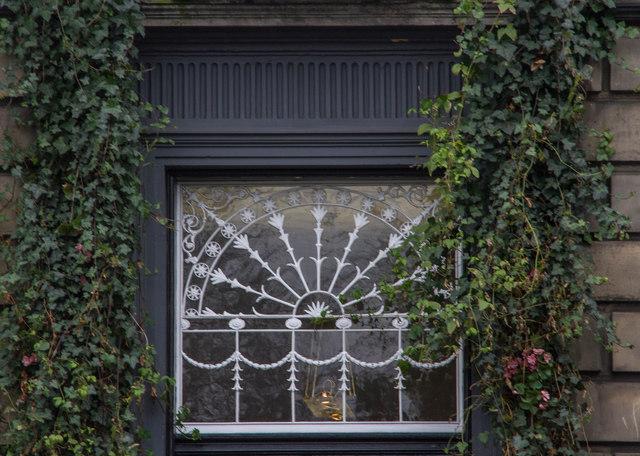 Ornate fanlight, Queen Street