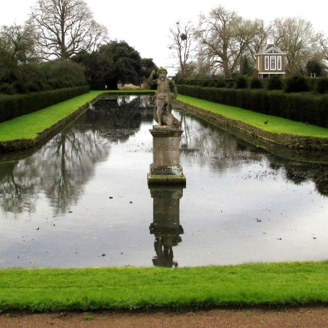 Houston Westbury Gardens: Statue In A Pond, Westbury Court Garden,... © Jaggery Cc