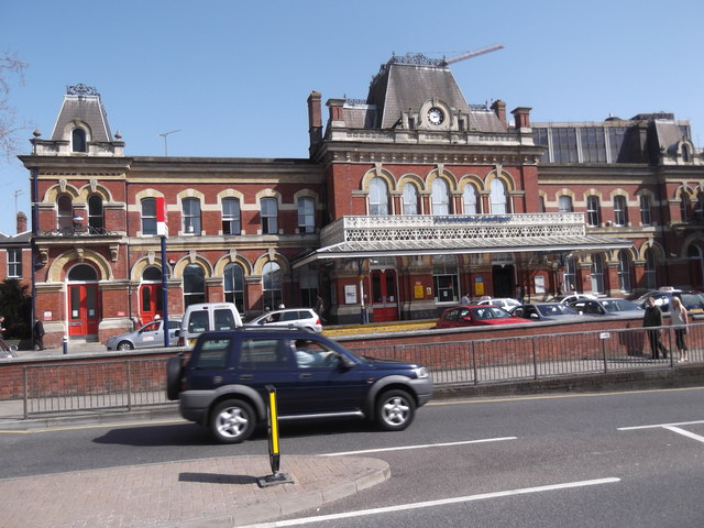 Portsmouth & Southsea Railway Station, Commercial Road, Portsmouth