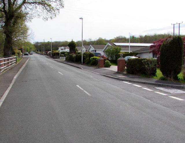 Up Glynhir Road, Llandybie
