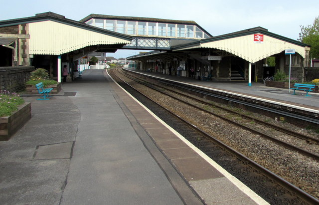Llanelli railway station footbridge and canopies