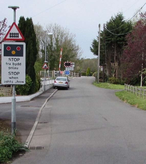 STOP when lights show ahead, Llandybie