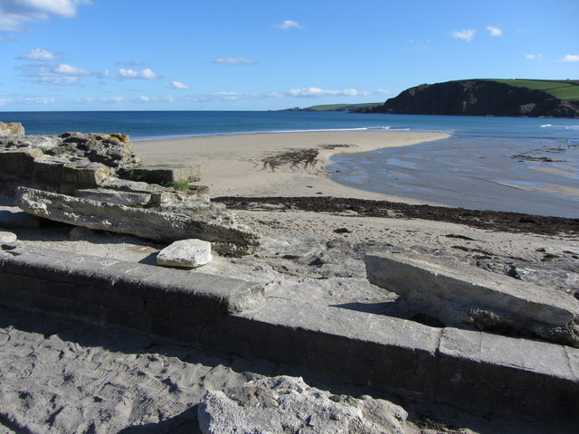 Pentewan beach from the old harbour breakwater
