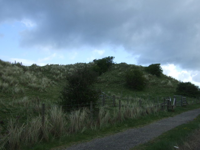 Path and dunes beside the B1340