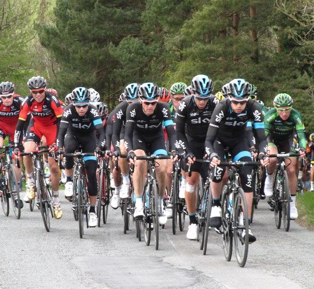Team Sky head the peloton