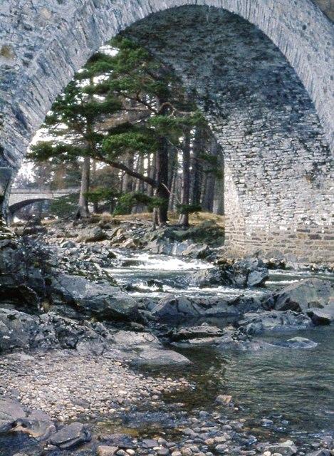 Old Brig o' Dee, Invercauld