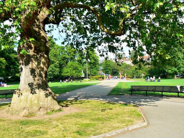 Alexandra Gardens Windsor Berkshire Brian Robert Marshall Cc By Sa 2 0 Geograph Britain