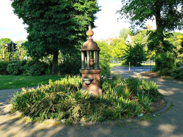 Dyson Memorial Fountain Alexandra Brian Robert Marshall Cc By Sa 2 0 Geograph Britain