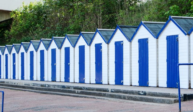 Uniform beach huts, Oddicombe