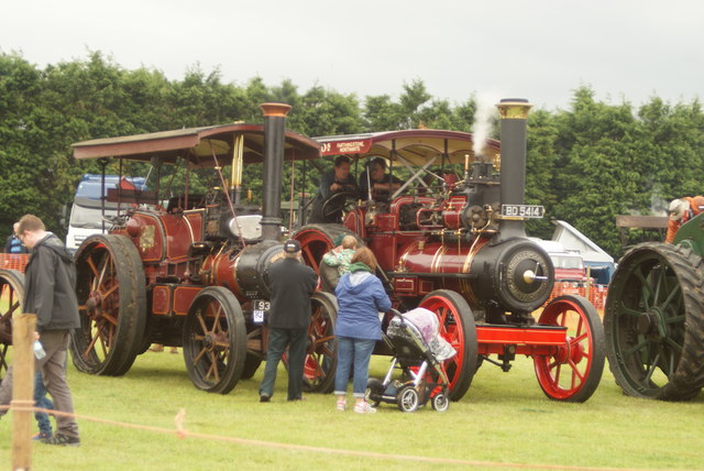 Drive Chain Tractor : View of a tasker b speed chain drive robert lamb