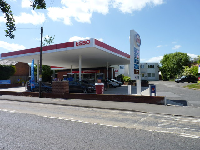 esso service station worcester road jeff gogarty geograph britain and ireland. Black Bedroom Furniture Sets. Home Design Ideas