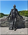 NS4190 : Statue of Tom Weir by Lairich Rig