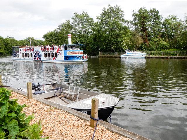 Vintage Broadsman paddle boat, River Bure