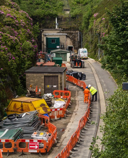 War Is Over >> Woodhead Tunnel © Peter McDermott cc-by-sa/2.0 :: Geograph Britain and Ireland