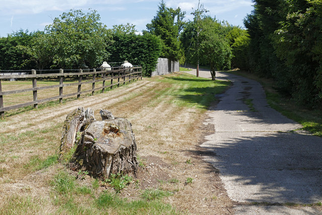 Footpath near Bell Farm