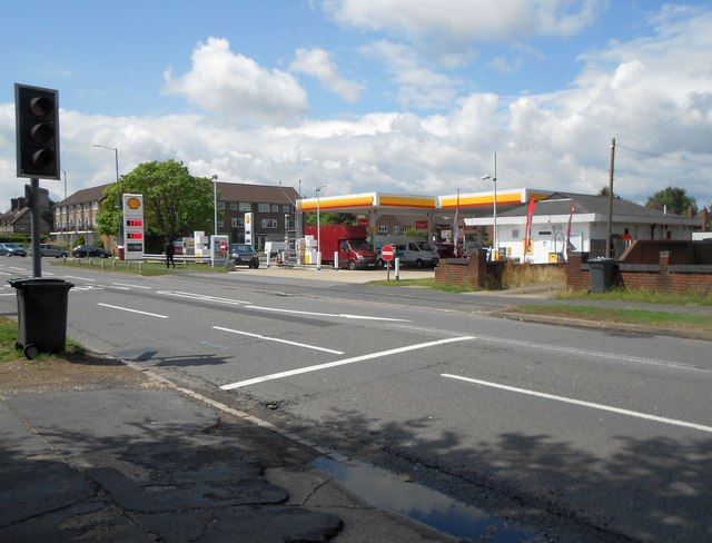 High Wycombe: Shell Cressex filling station