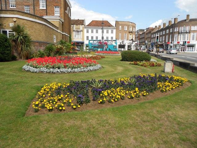 High Wycombe: Queen Victoria Road Gardens