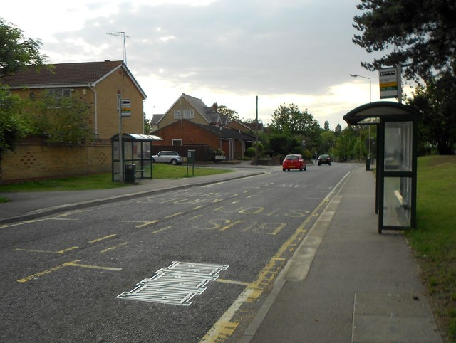 London Colney: Thamesdale and Willowside bus stops