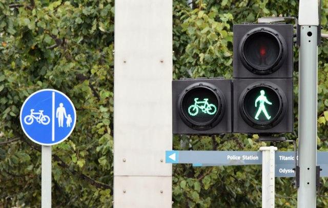 cycle lane sign and traffic lights      u00a9 albert bridge cc