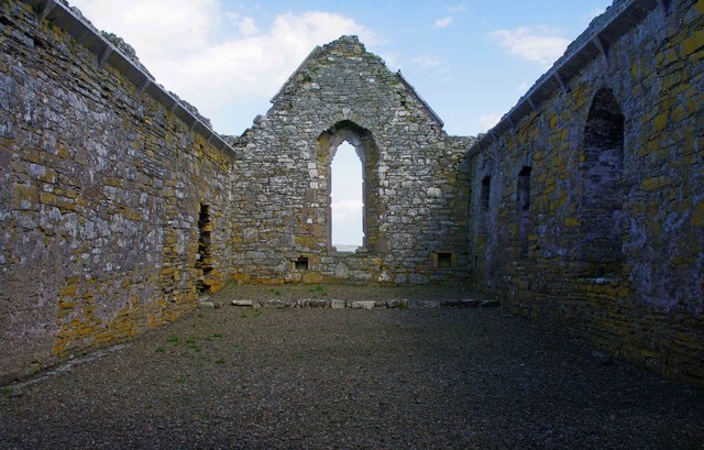 Scattery Island (Inis Cathaig), Co. Clare (13) - Teampall Naomh Mhuire Cathedral interior looking east