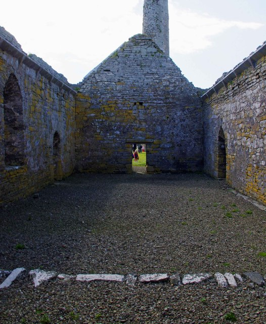 Scattery Island (Inis Cathaig), Co. Clare (14) - Teampall Naomh Mhuire Cathedral interior looking west