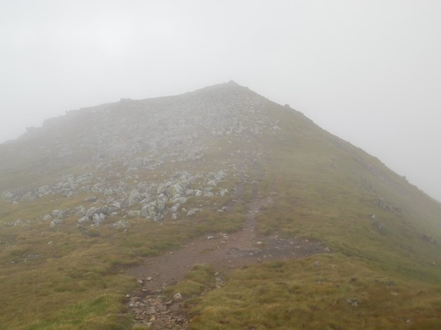 Approaching the summit of Creise