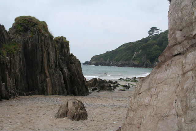 Mothecombe: by Meadowsfoot beach