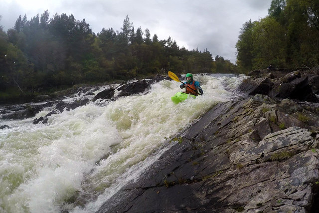 Running the last rapid on the Upper Tummel