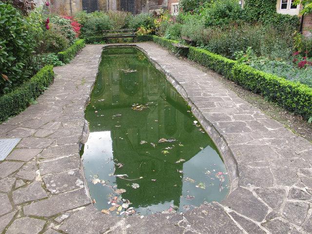 Reflecting pool secret garden by david hawgood cc by for Garden reflecting pool