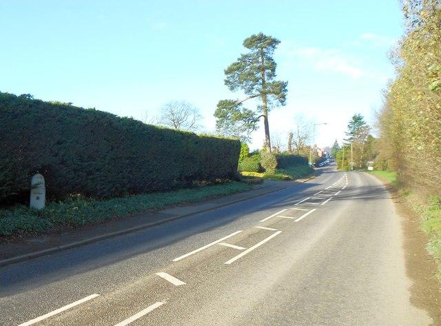 Codicote: Listed milepost on the B656 Codicote Road