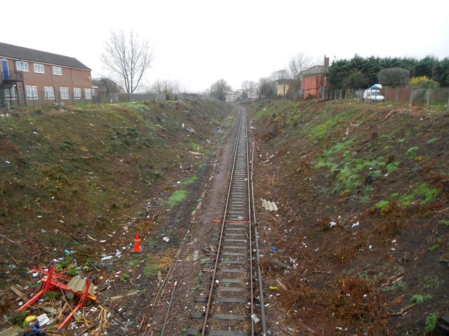 Croxley Rail Link (14): Trackbed north-west of the former Watford West Station